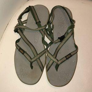 Keen woman sandals size 9